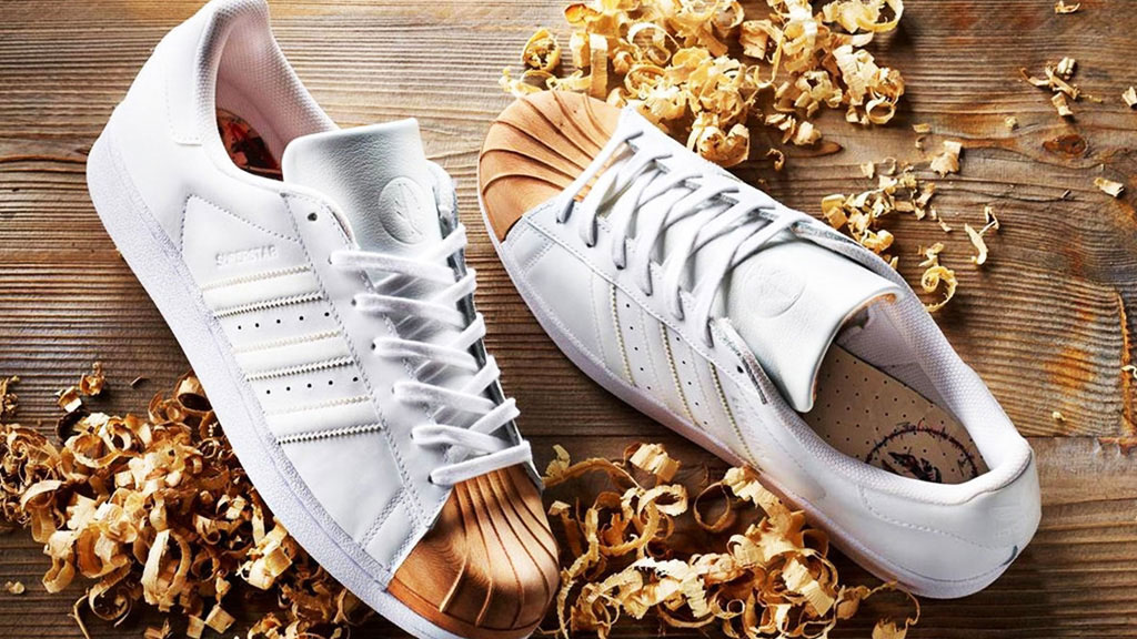 Superstar Shoe Gold and White